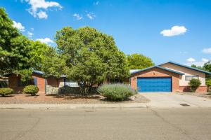 3012 CHARLESTON Street NE, Albuquerque, NM 87110