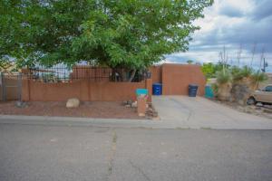 218 DOLORES Drive SW, Albuquerque, NM 87121