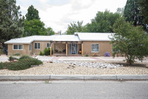 293 ALAMOSA Road NW, Albuquerque, NM 87107
