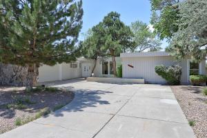 7700 Hermanson Place NE, Albuquerque, NM 87110