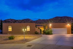 13116 SANDSTONE Place NE, Albuquerque, NM 87111