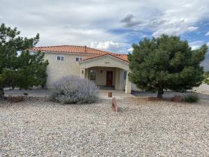11411 SAN BERNARDINO Avenue NE, Albuquerque, NM 87122
