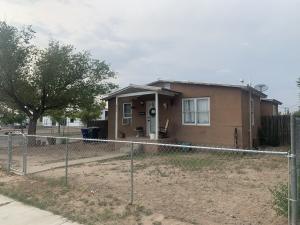 807 Bellamah Avenue NW, Albuquerque, NM 87102