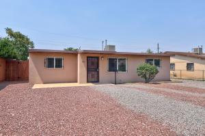 423 DALLAS Street NE, Albuquerque, NM 87108