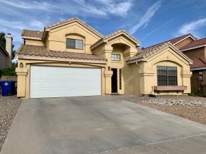 8440 MANUEL CIA Place NE, Albuquerque, NM 87122