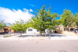 917 HEADINGLY Avenue NW, Albuquerque, NM 87107
