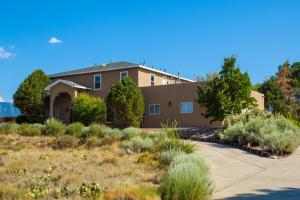 9250 FLORENCE Avenue NE, Albuquerque, NM 87122