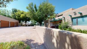 502 Lagunitas Road SW, Albuquerque, NM 87105