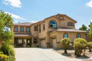 5944 Las Cadenas Road NW, Albuquerque, NM 87120