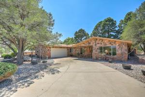 9915 COLUMBUS Circle NW, Albuquerque, NM 87114