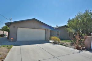 10556 OLYMPIC Street NW, Albuquerque, NM 87114