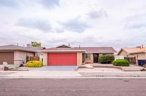 8705 SUNBOW Avenue SW, Albuquerque, NM 87121