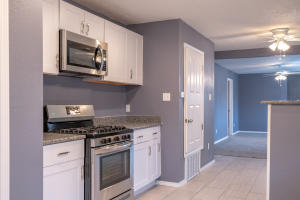 715 WOODLAND Avenue NW, Albuquerque, NM 87107
