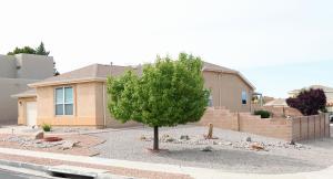 7401 Silverthorne Road NW, Albuquerque, NM 87114