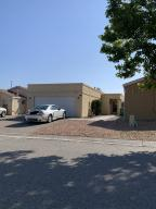 1733 LEE Loop NE, Rio Rancho, NM 87144