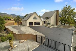 12512 MODESTO Avenue NE, Albuquerque, NM 87122