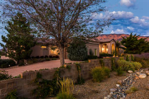 9621 Elena Avenue NE, Albuquerque, NM 87122