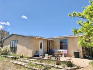 170 SKYLINE Drive, Edgewood, NM 87015