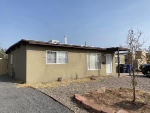 2704 KENTUCKY Street NE, Albuquerque, NM 87110