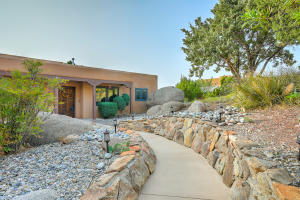 30 CEDAR HILL Place NE, Albuquerque, NM 87122