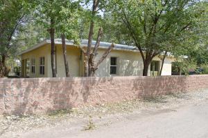 30 LOS COLONIAS, Algodones, NM 87001