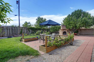 8917 ORTEGA Court NW, Los Ranchos, NM 87114