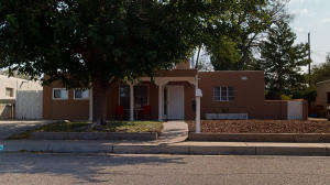 1332 BOATRIGHT Drive NE, Albuquerque, NM 87112