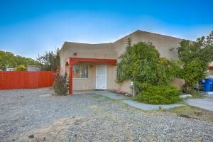 661 Pittard Road SW, Albuquerque, NM 87121