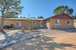 7002 ELNA Court NE, Albuquerque, NM 87110