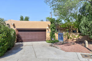 6220 SABRE Court NW, Albuquerque, NM 87107