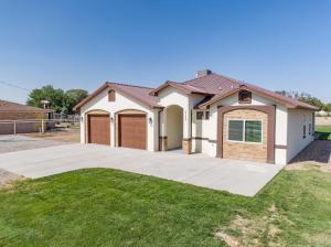 2225 S JULIE Avenue SW, Albuquerque, NM 87105