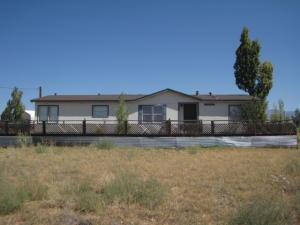 13 Winston Court, Los Lunas, NM 87031
