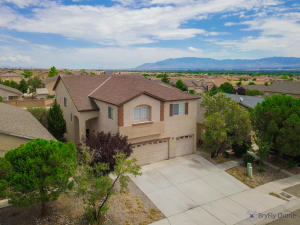 9819 MARLBOROUGH Avenue SW, Albuquerque, NM 87121