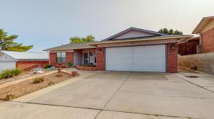 5116 ATRISCO Place NW, Albuquerque, NM 87105