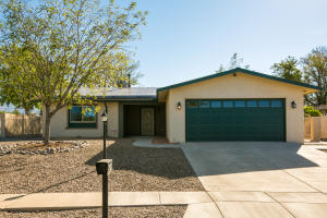 8812 DESERT WILLOW Court NE, Albuquerque, NM 87113