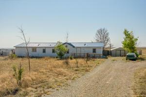 654 Dinkle Road, Edgewood, NM 87015