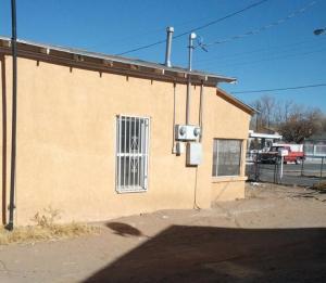 137 CANNON Drive SW, Albuquerque, NM 87105