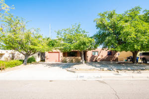 6609 ZIMMERMAN Avenue NE, Albuquerque, NM 87110