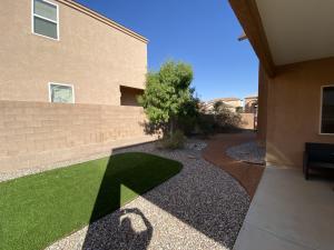 2377 FIREWHEEL Avenue SW, Los Lunas, NM 87031