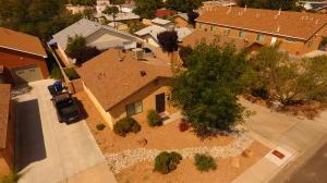 619 Madison Street NE, Albuquerque, NM 87110
