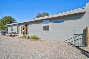 7821 GUADALUPE Trail NW, Albuquerque, NM 87114