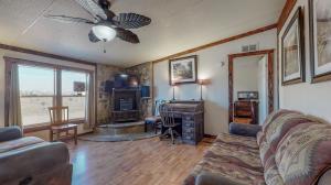25 WILLOW Road, Edgewood, NM 87015