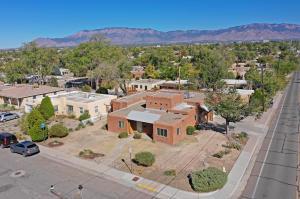 1200 LOBO Place NE, Albuquerque, NM 87106