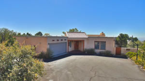 38 ROCK RIDGE Drive NE, Albuquerque, NM 87122