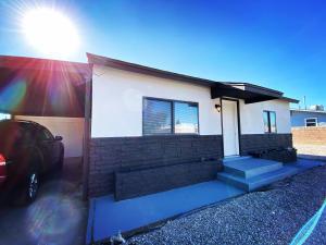 475 59TH Street NW, Albuquerque, NM 87105