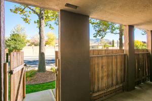 5801 LOWELL Street NE, 3B, Albuquerque, NM 87111