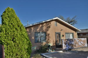 610 Jefferson Street NE, Albuquerque, NM 87110