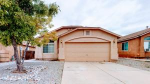 6124 Cyonus Avenue NW, Albuquerque, NM 87114