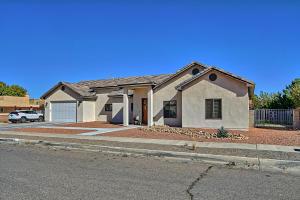 6308 CRYSTAL Avenue NW, Albuquerque, NM 87120