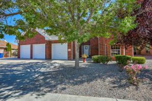 8316 HILLSBORO Court NW, Albuquerque, NM 87120